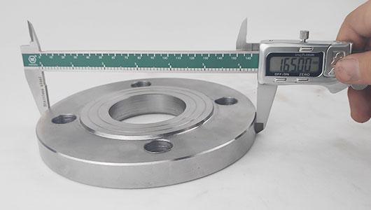 严格检验保证管件产品质量